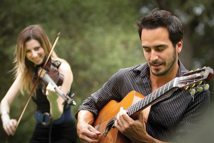 Gonzalo Bergara with quartet member Leah Zeger on violin.
